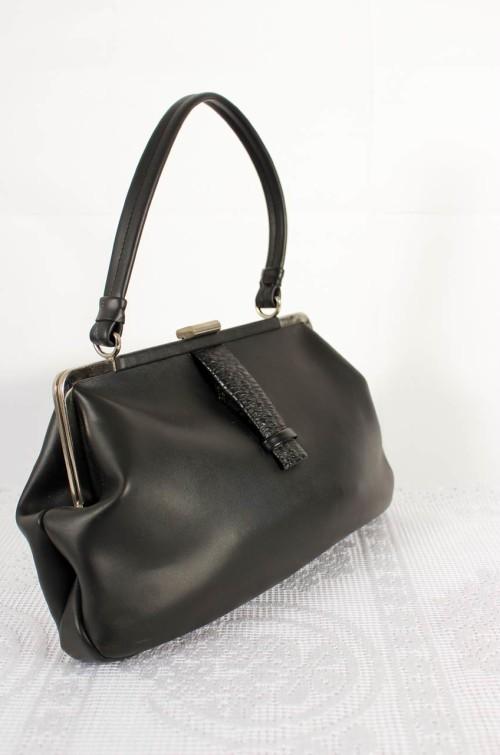 schwarze-damen-handtasche