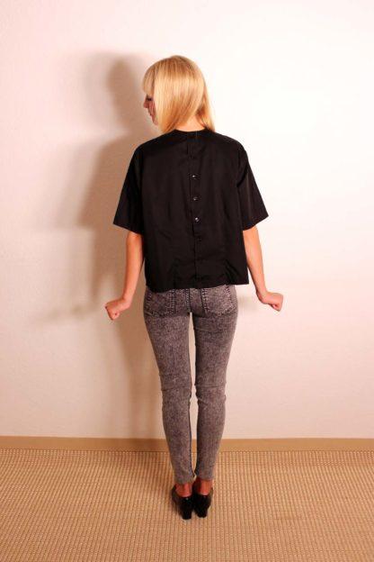 vintage-t-shirt-mit-knopfleiste