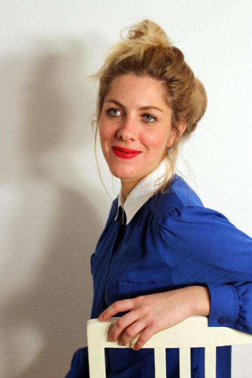 vintage-bluse-mit-weißem-kragen