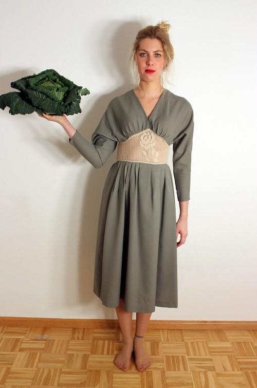 vintage-damenkleid-blass-gr