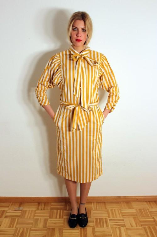 vintage-sommerkleid-gestreift-gelb-weiss