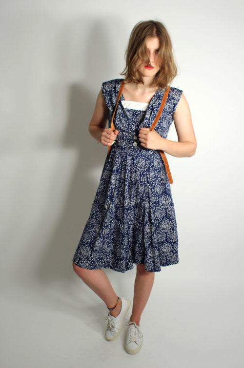 vintage-trägerkleid-blau-weiss