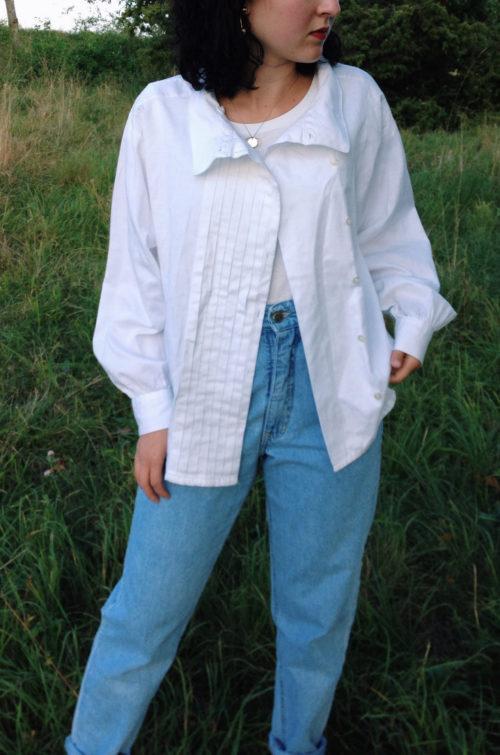 Weiße Bluse mit Kragen