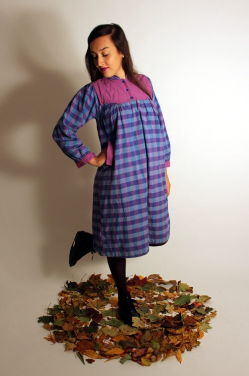 vintage-umstandskleid-lila-blau