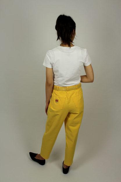 Second-Hand-Hose-Gelb