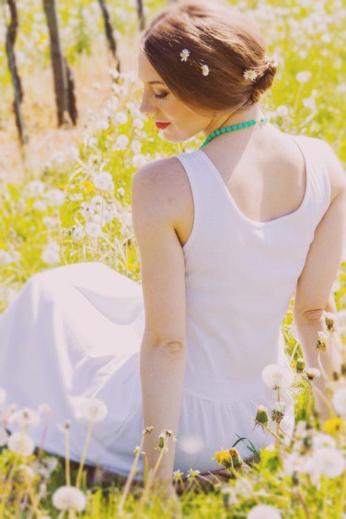 Kleid-mit-Strassbesatz