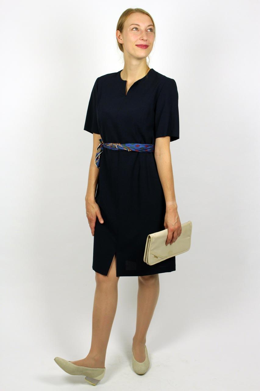 Kleid dunkelblau schlicht