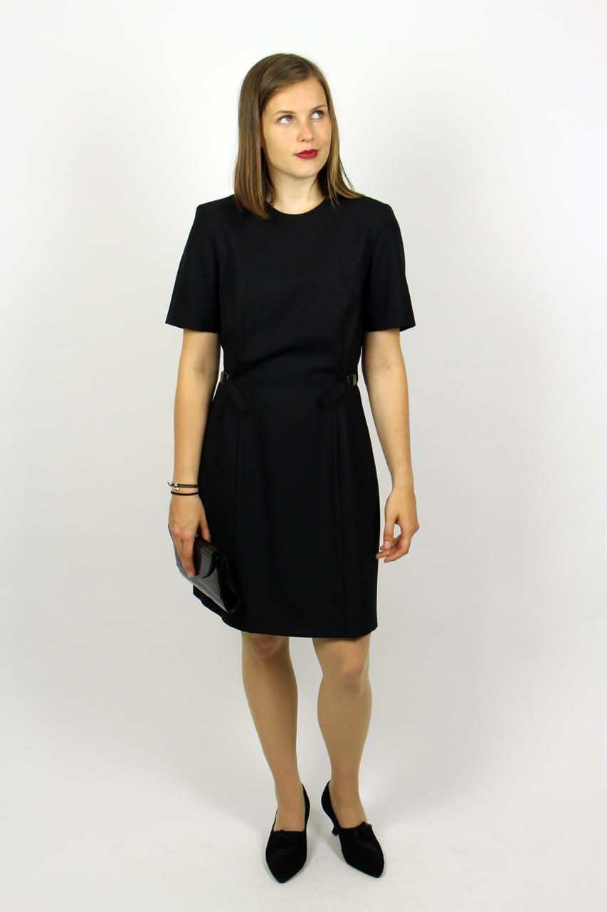 Kleider schwarz schlicht