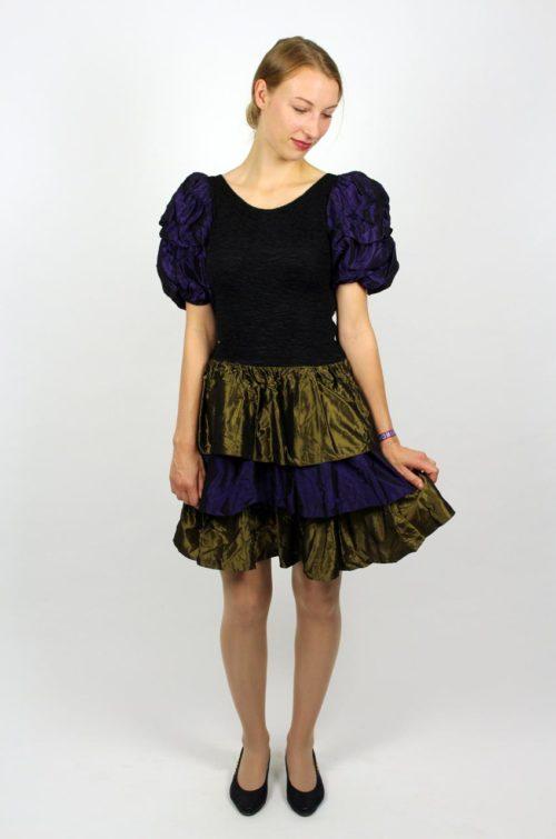 Schickes Kleid schwarz lila