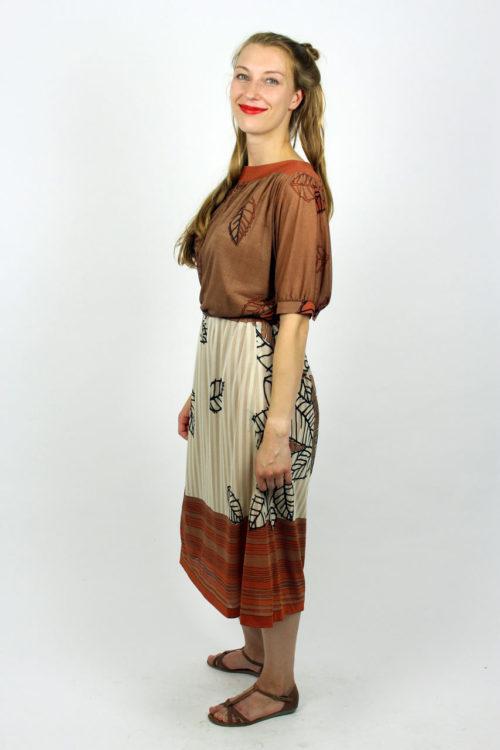 Tailliertes Midi Kleid