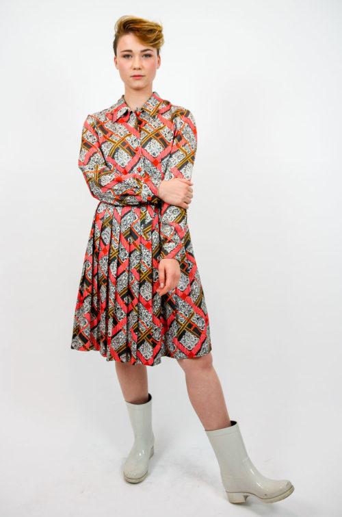 kleid faltenrock pink