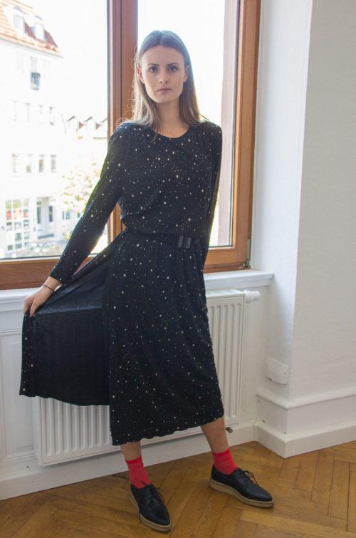 Kleid schwarz mit goldenen Sternen