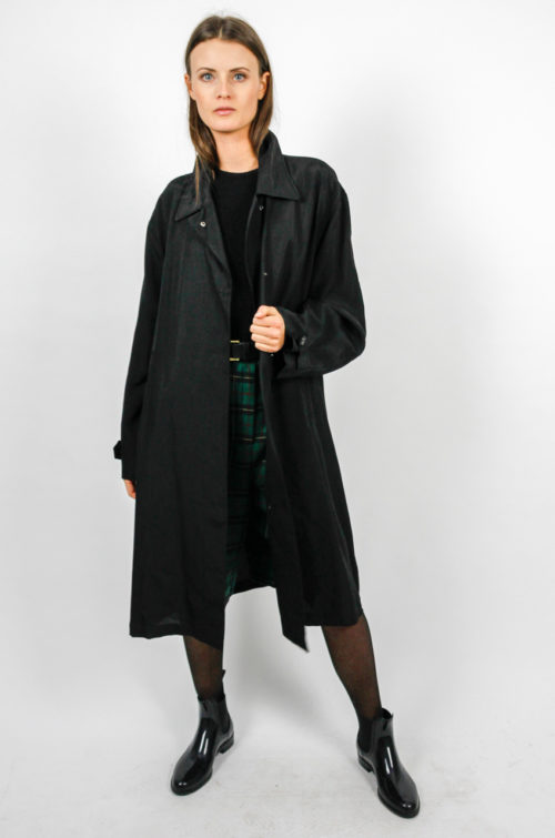 designer mantel vintage