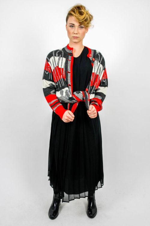 strickjacke rot grau weiß