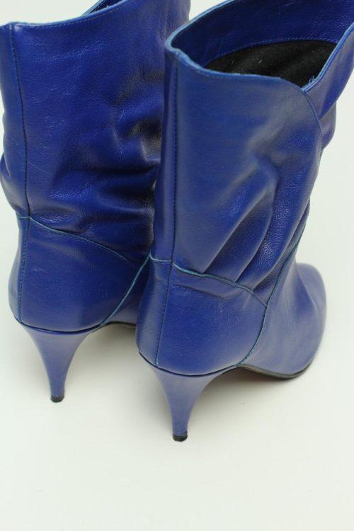 blau retro style