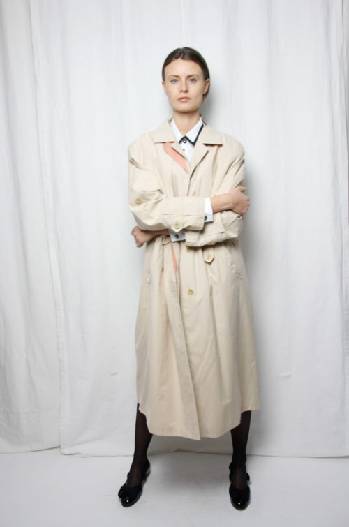 vintage trenchcoat beige