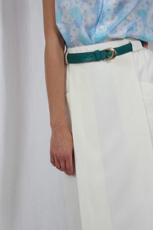 weißer Rock mit Taschen