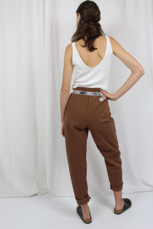 Hose hinten braun