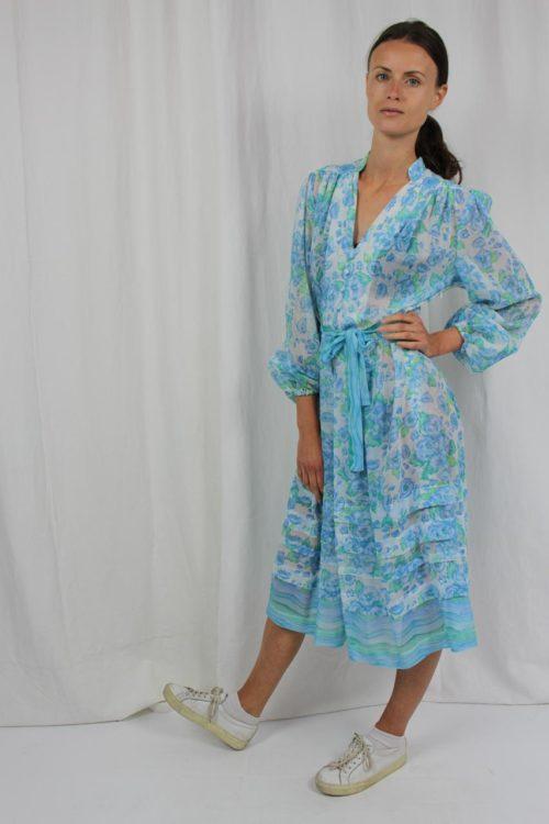 blaues Kleid Vintage mit floralem Muster