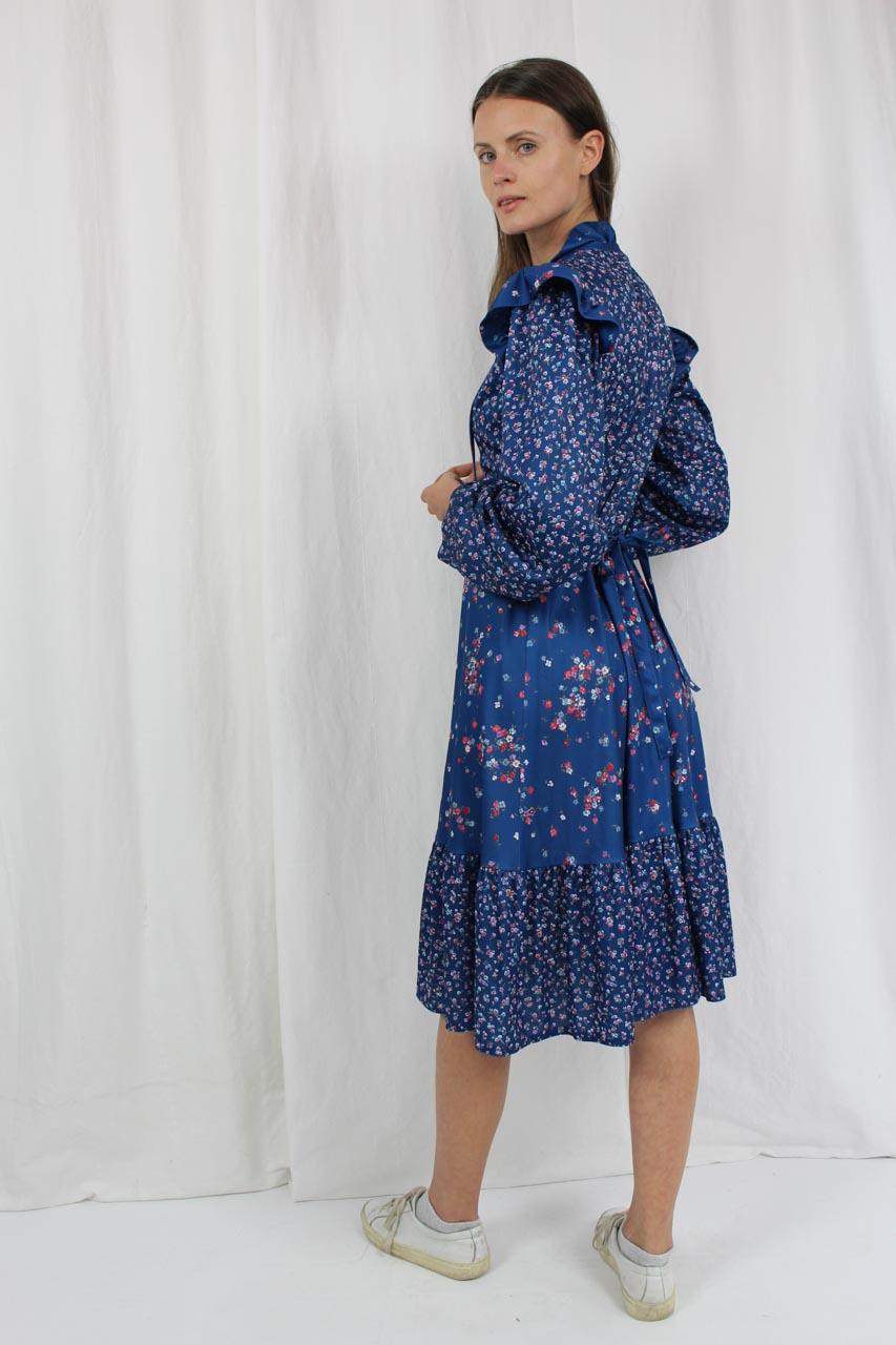 vintage kleid blau mit blumenmuster ursula oma klara. Black Bedroom Furniture Sets. Home Design Ideas