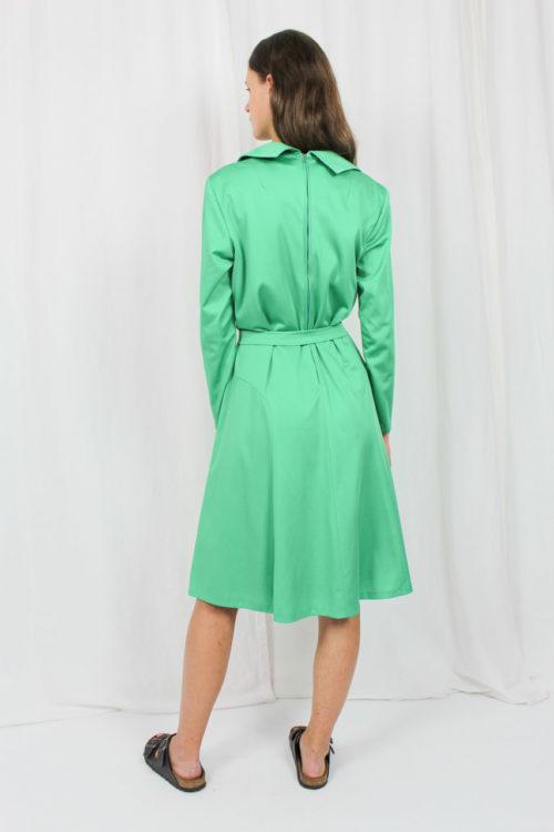 grünes Langarmkleid