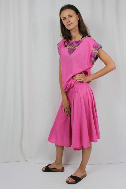 rosa Kleid mit Raffung