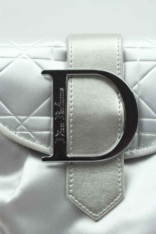 kleines silvernes Täschchen Dior Parfums