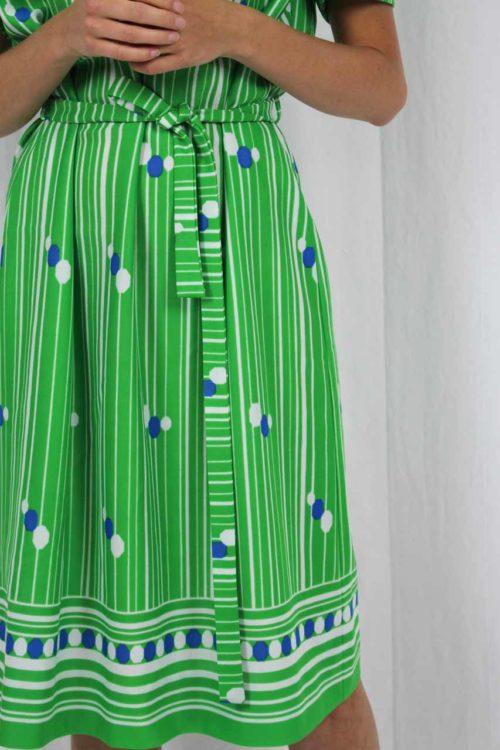 Kleid grün blaue Punkte