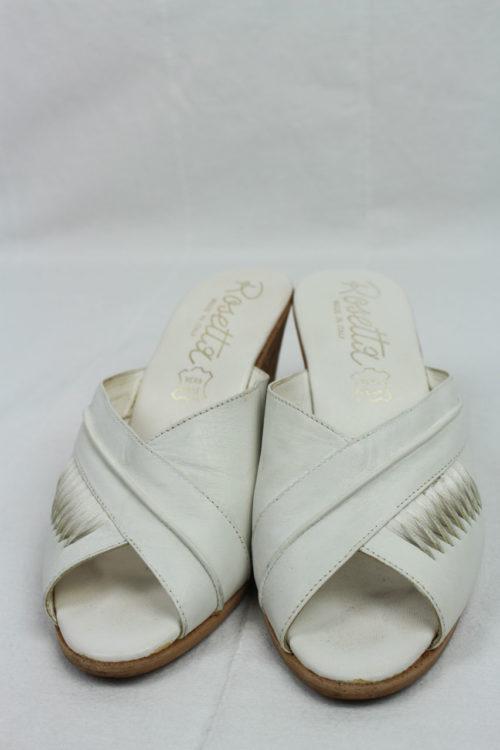 weiße Pantolette mit Korkabsatz