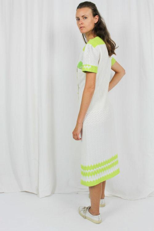 weißes Kleid grünes Muster