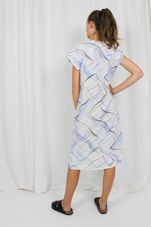 weißes Kleid kurzarm