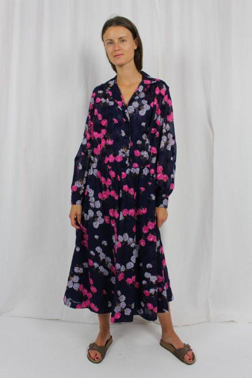 Kleid blau mit Blumenmuster