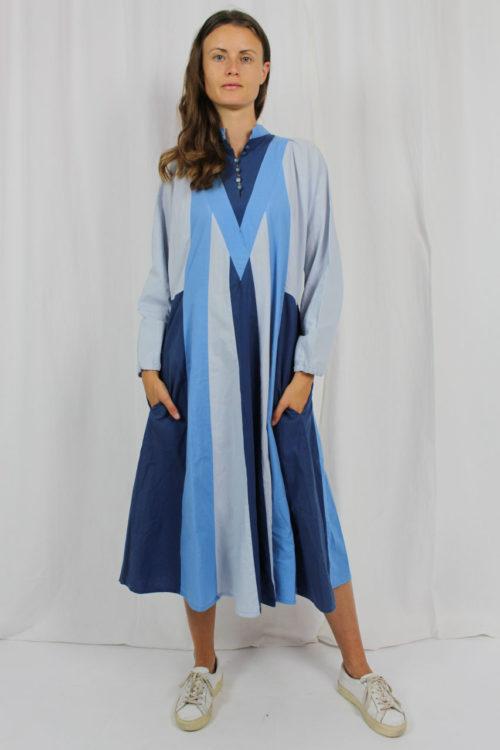 Maxikleid blau gestreift