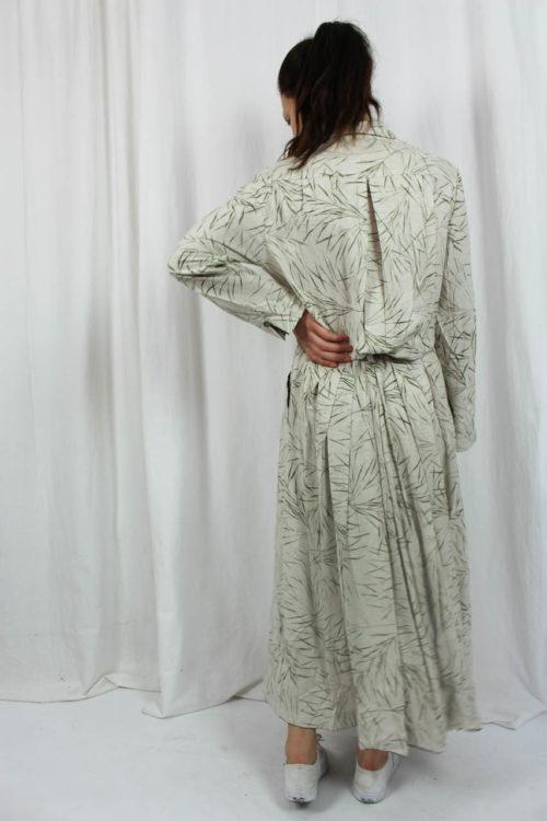 beiges Kleid lang mit Muster