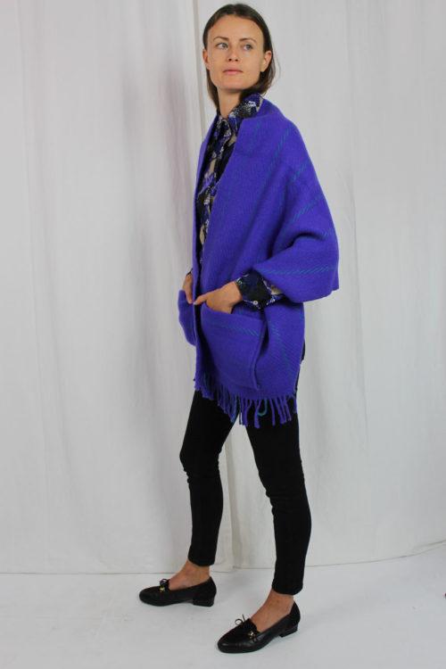 Poncho lila mit Taschen
