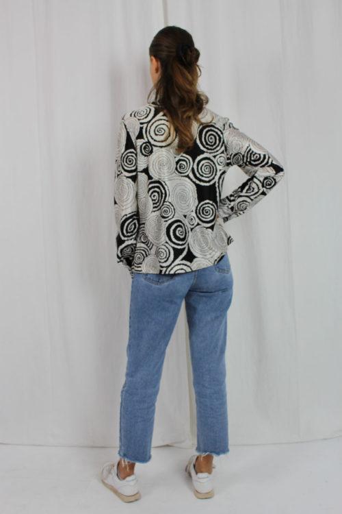 Schwarz weiße Bluse Spiralmuster