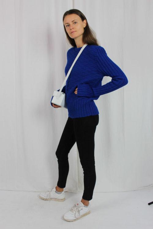 blauer Pullover selbstgestrickt Second Hand