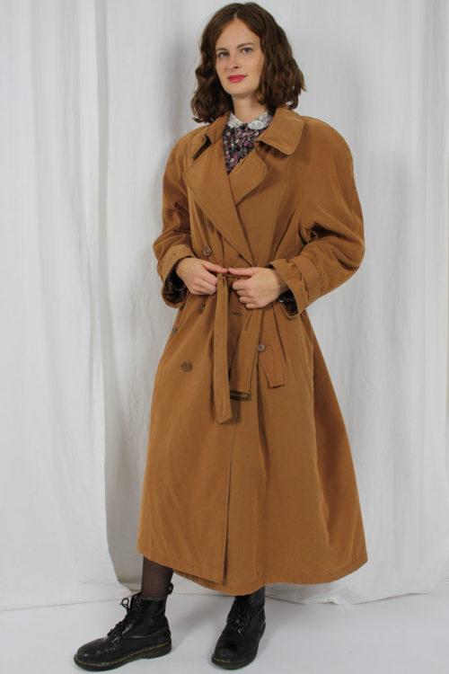 Mantel mit Koller und Gürtel
