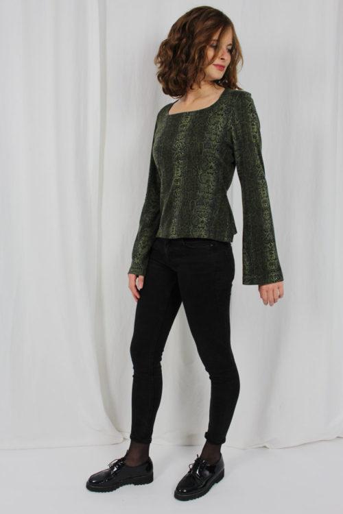 Shirt grün Trompetenärmel