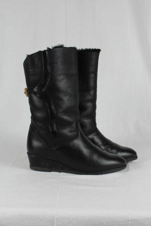 Stiefel schwarz Lammfell