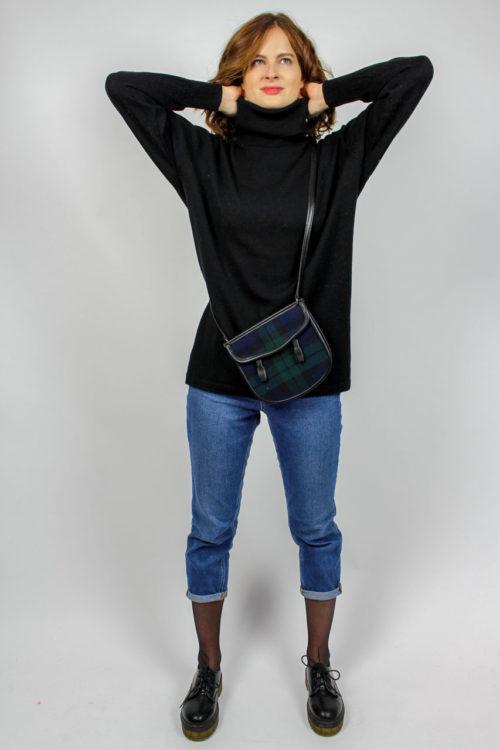 schwarzer Pullover Rolli