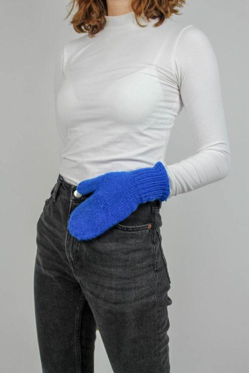 Blaue Handschuhe selbstgestrick