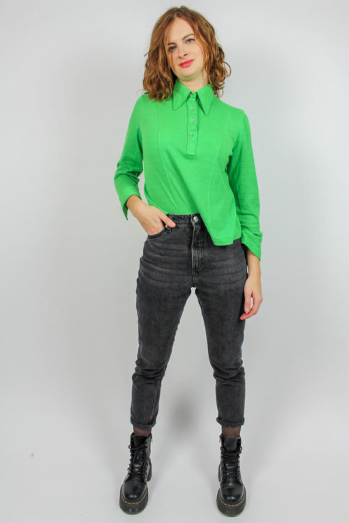 hellgrünes Langarmshirt