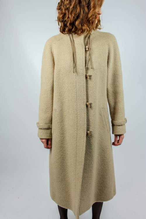 langer Mantel beige