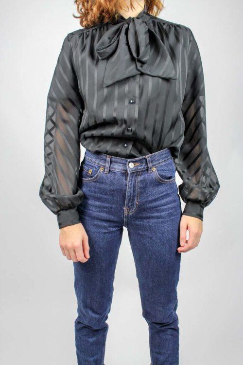 schwarze Bluse transparent