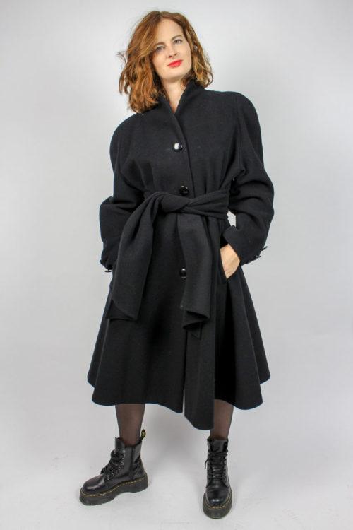 schwarzer Mantel Secondhand