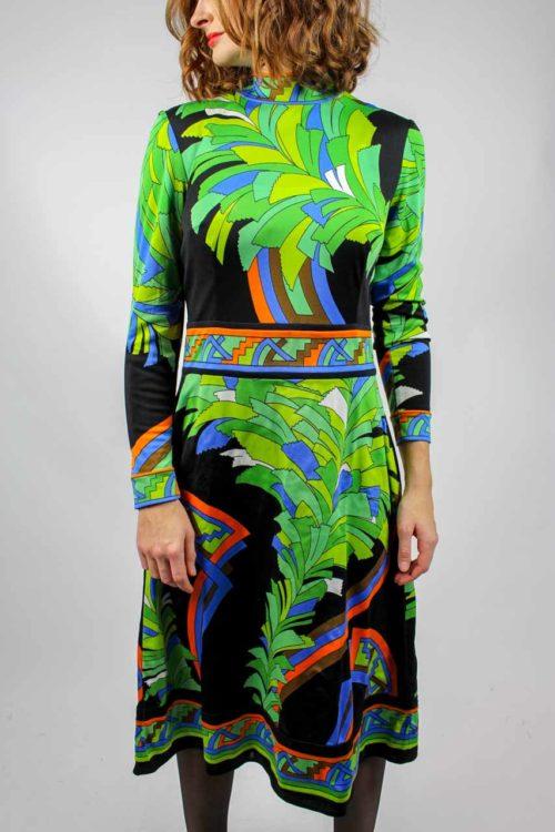 schwarzes Kleid grünes Muster