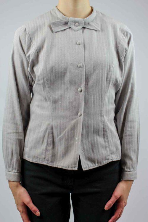 Bluse mit besonderem Kragen