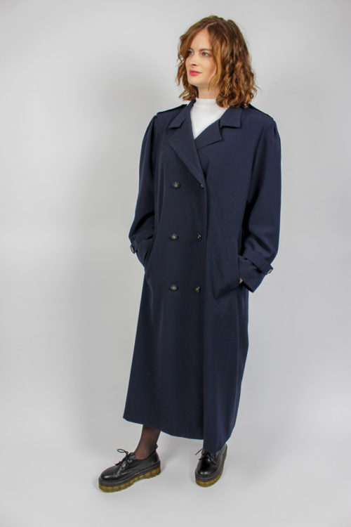 langer Mantel Reverskragen