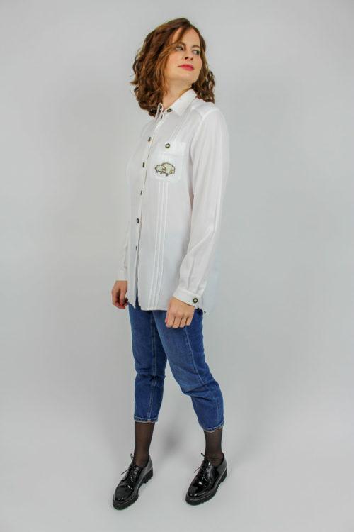weiße Bluse Falten